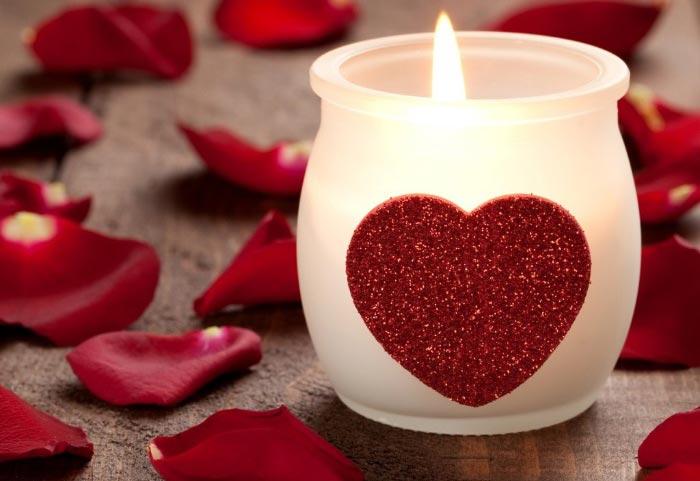 با این ۵ پیامک همسرتان را عاشق خود کنید!
