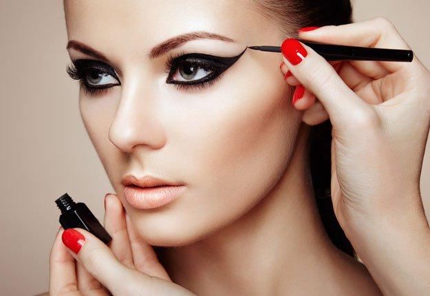 آموزش کشیدن خط چشم برای انواع مختلف چشم