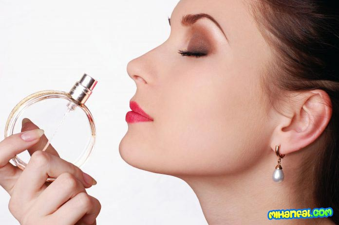 چگونه بوی عطر را ماندگار کنیم؟