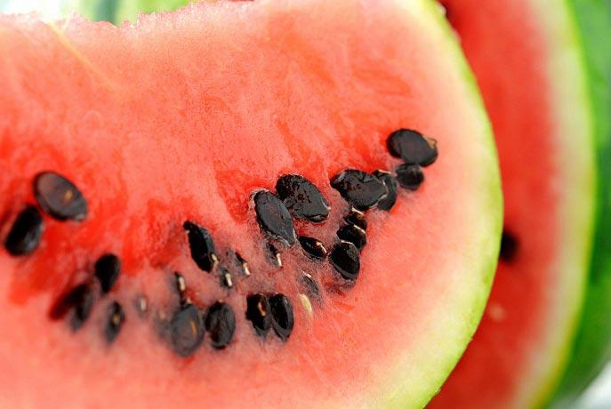 20 خاصیت تخمه هندوانه برای پوست و مو