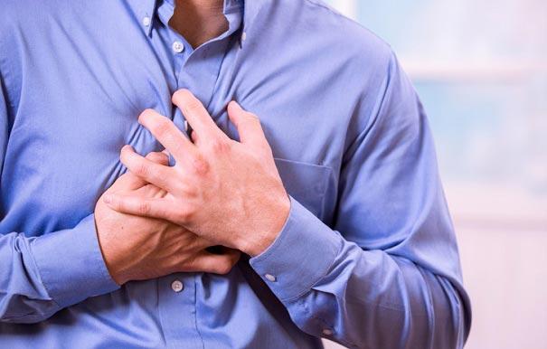 8 علت درد قفسه سینه که به قلب ربطی ندارد