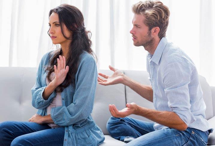 ۱۰ رفتاری که شما را از چشم دیگران می اندازد