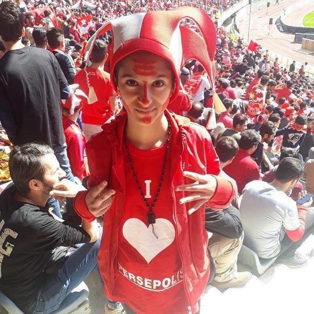 دختر پرسپولیسی که دربی ۸۶ را در استادیوم آزادی دید + عکس