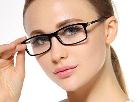 روش های از بین بردن جای عینک از روی بینی
