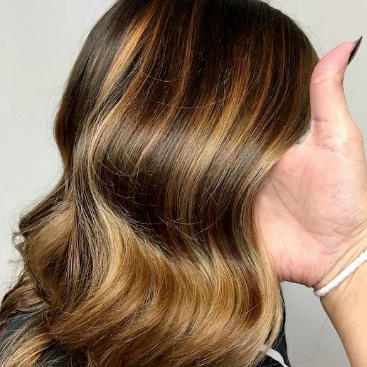 رنگ مو بالیاژ چیست و چگونه انجام می شود؟