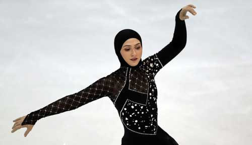 نخستین زن باحجاب در پاتیناژ (زهرا لاری) + تصاویر