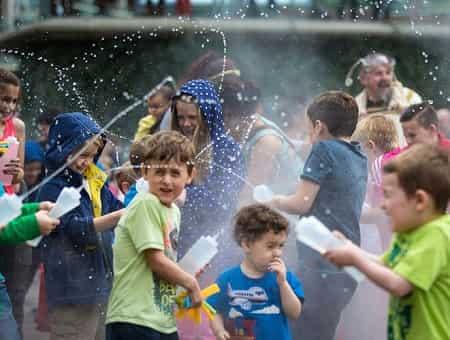 1 تیر ماه   جشن آب پاشونک ، جشن آغاز تابستان