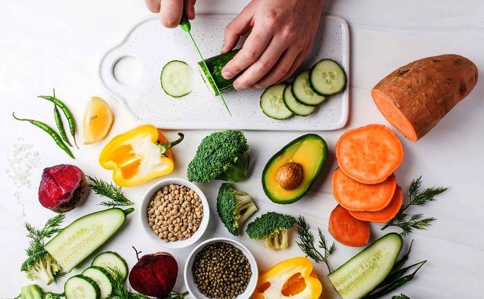 ۷ خوراکی که متخصصین تغذیه خوردن آن را سفارش می کنند