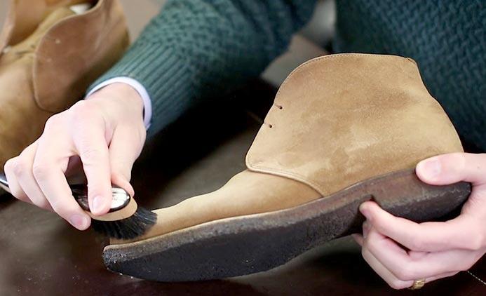 چند روش جالب برای تمیز کردن کفش