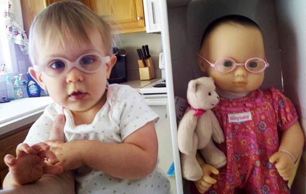 کوچولوهایی که شبیه عروسک شان هستند + تصاویر