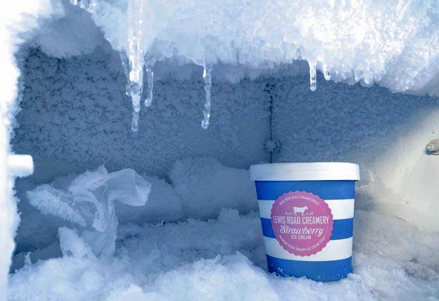 روش های پاک کردن برفک یخچال