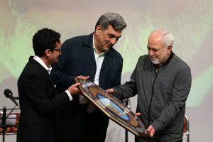 ظریف؛افتخار میکنم که بهخاطر مردم ایران تحریم شدم.