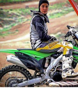 زمزمه ی صدور گواهینامه ی موتورسیکلت برای زنان