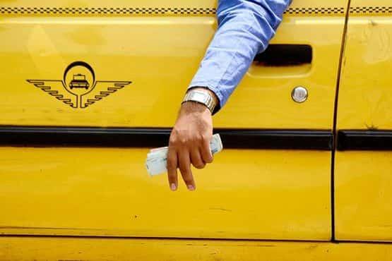 سهمیه سوخت تاکسی های فاقد پروانه حذف خواهد شد.