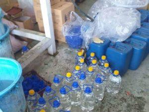 یازده هزار لیتر الکل احتکار شده در تهران (پایتخت) کشف شد