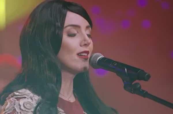 دانلود آهنگ آه بنیم جانیم با صدای عایشه گل جوشکون