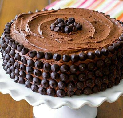 طرز تهیه کیک شکلاتی با باتر کریم شکلات
