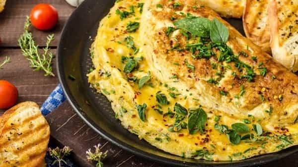 طرز تهیه املت پنیر را در چند دقیقه یاد بگیرید!