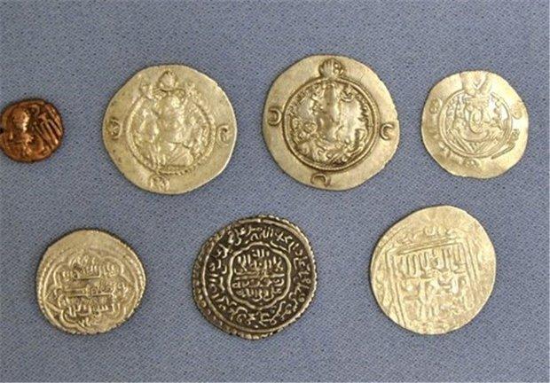 کشف 1500سکه مربوط به ادوار تاریخی در شهرستان اسدآباد