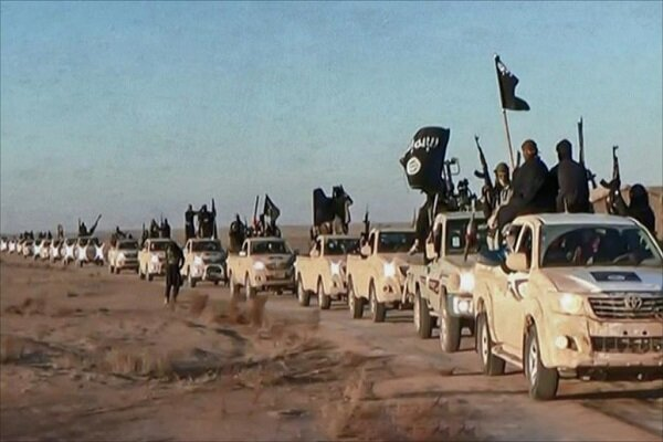 داعشی ها 11سوری را به گلوله بستند