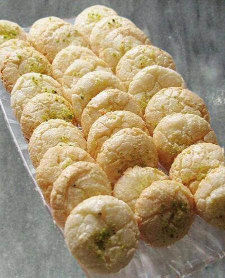 طرز تهیه شیرینی نارگیلی با آرد