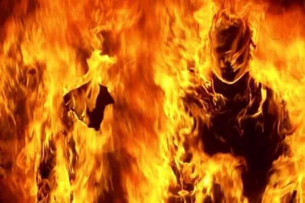 زن 35 ساله، خودش و فرزندش را آتش زد